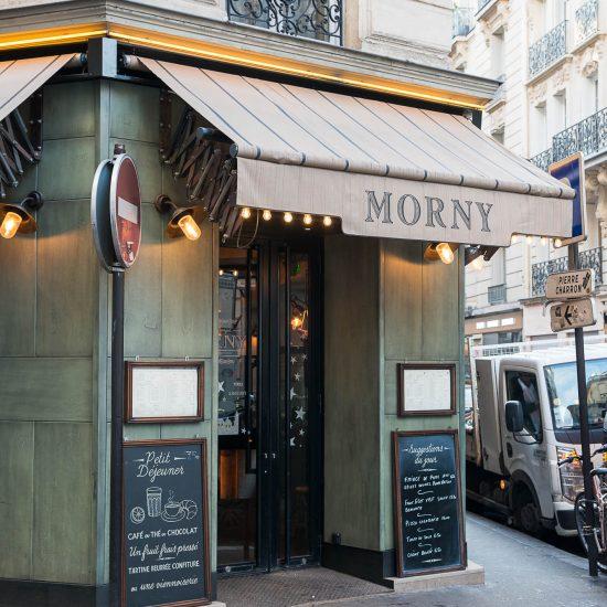 Devanture du restaurant Le Morny à Paris. Décoration par le Studio Emma Roux