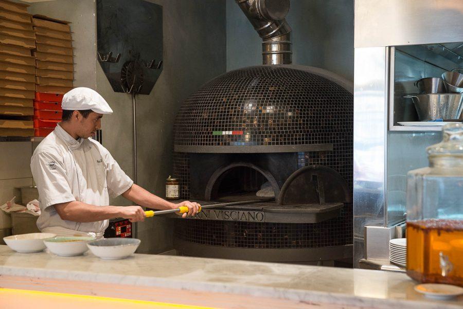 Intérieur de la pizzeria Simonetta de Paris. Décoration par le Studio Emma Roux
