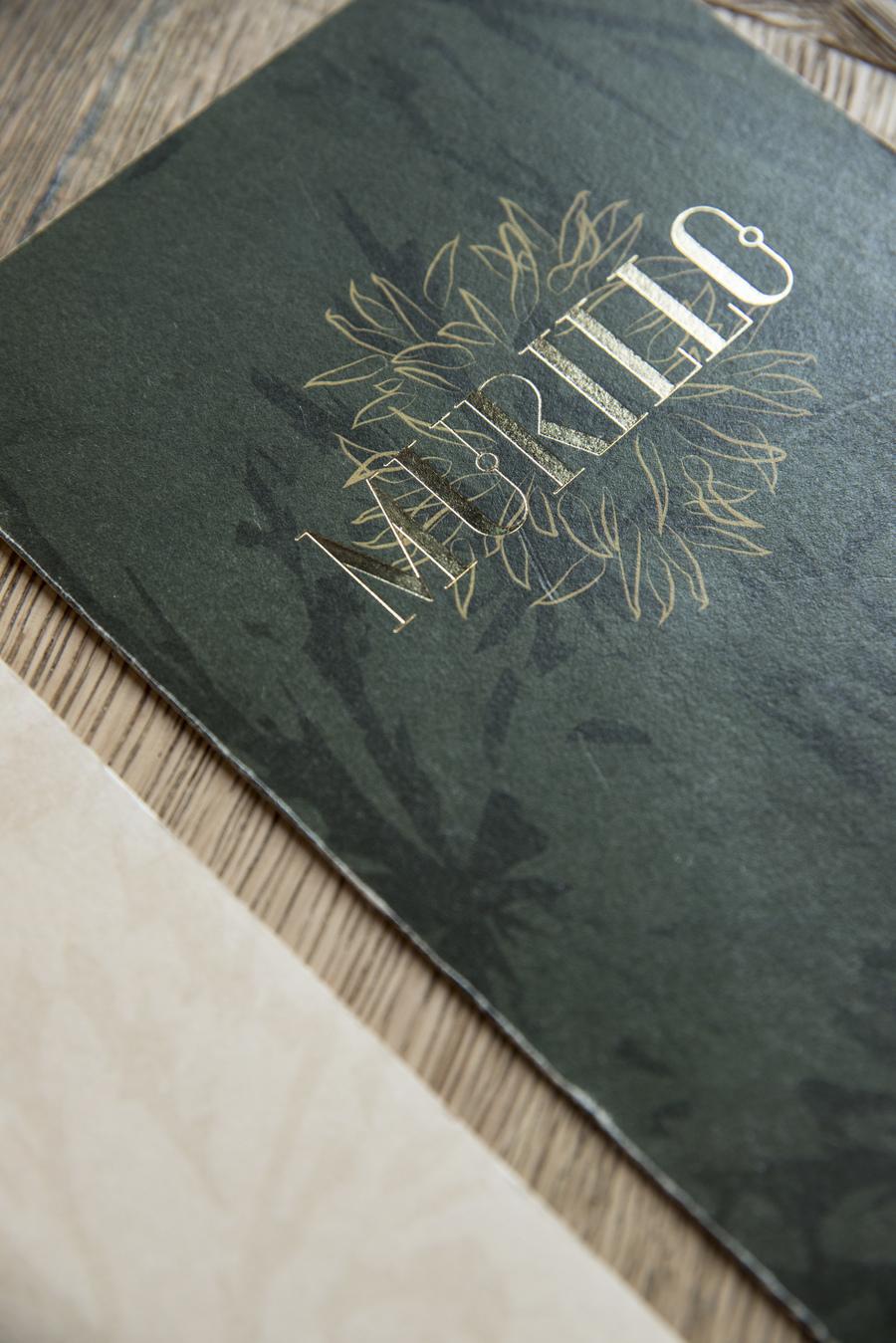 Restaurant Le Murillo de Paris - Décoration Studio Emma Roux. Identité visuelle, menu, marquage à chaud.