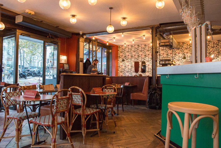 Décoration intérieur du Café Petite à Paris par le Studio Emma Roux