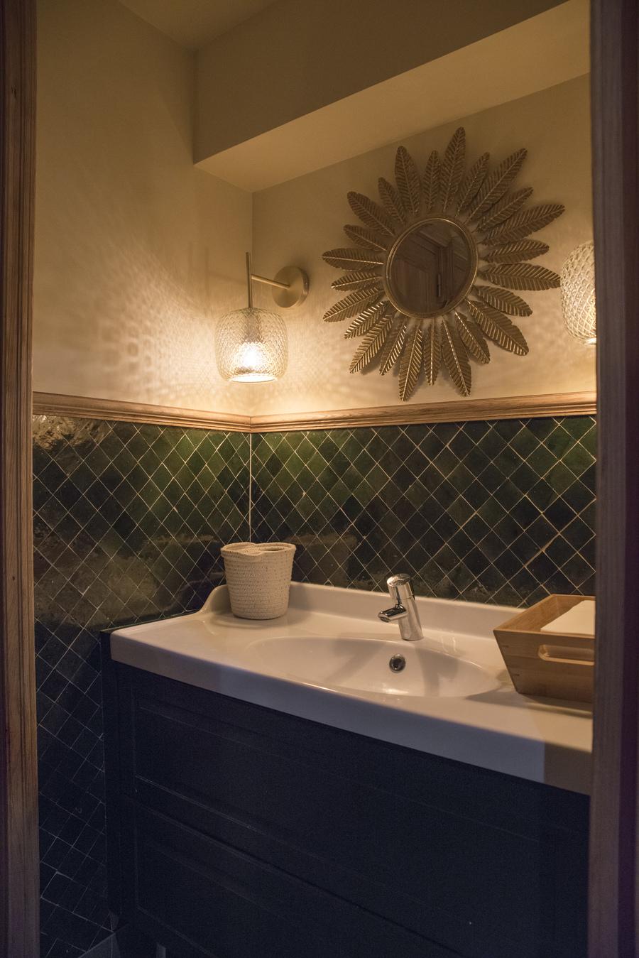 Le Studio Emma Roux a élaboré la décoration du restaurant Le Murillo de Paris. Zellige.
