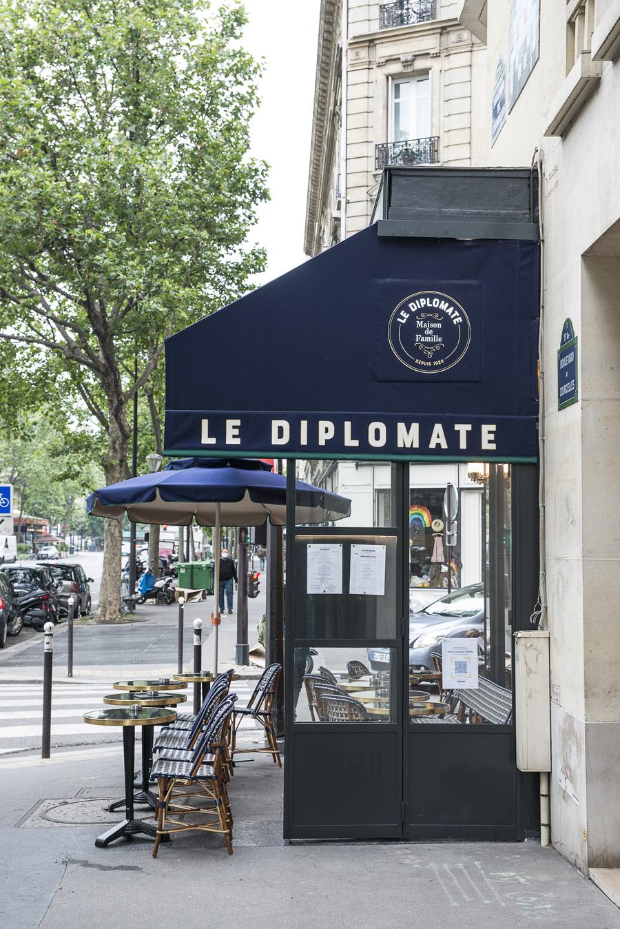 LE-DIPLOMATE-STUDIO-EMMA-ROUX-ANTHONY-COTTAREL-RESTAURANT-COMPTOIR